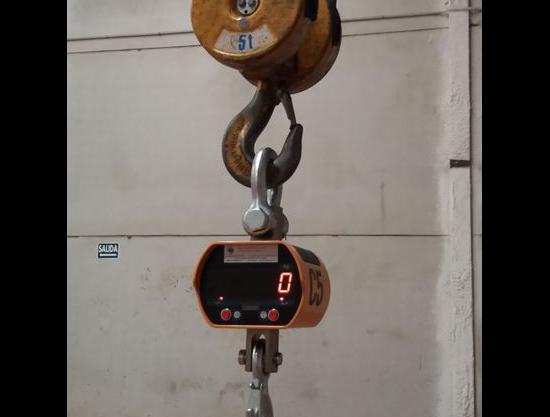 grua para transportar hierro galvanizado